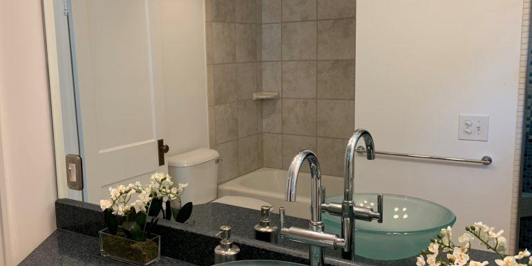 1441white16 Bath